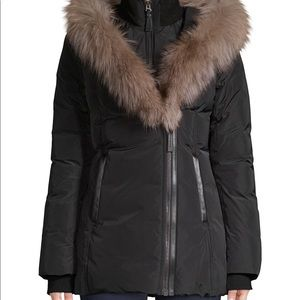 Makage Fox fur collar down coat. ( Women's)